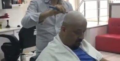 cliente asusta al peluquero